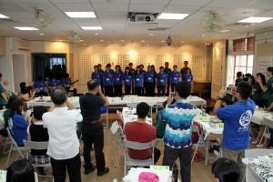 7沖繩縣高中學生以傳統三線琴及歌唱表演向本校師生致意
